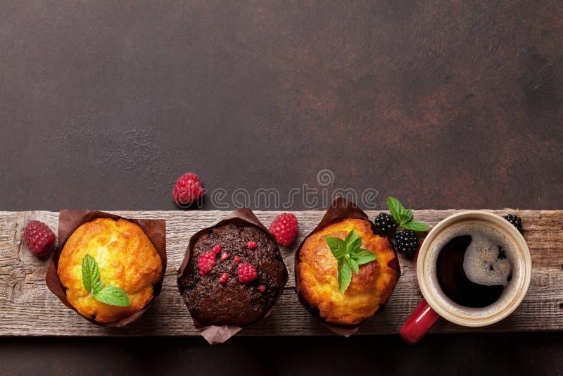 松饼和咖啡 免版税库存照片