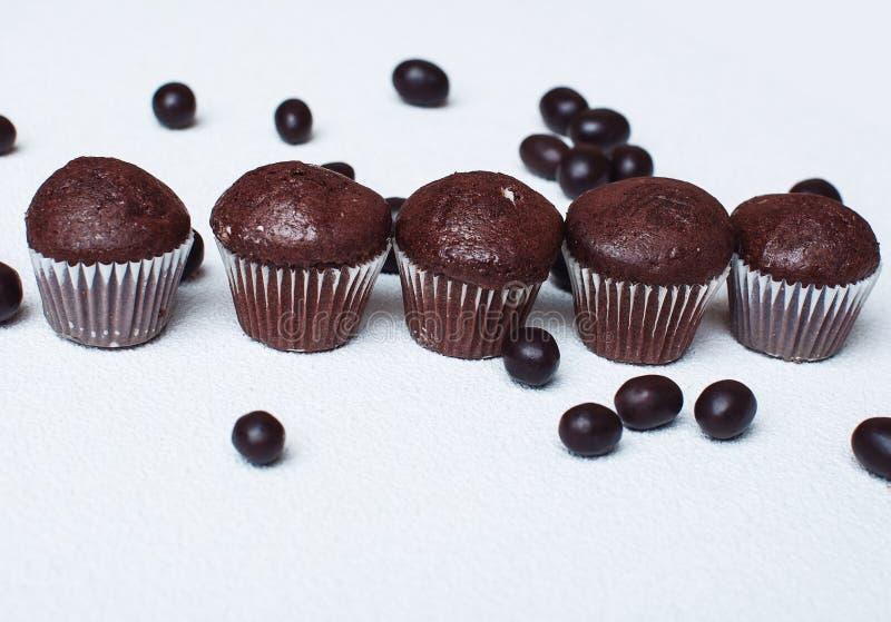 松饼用巧克力糖衣杏仁 免版税库存图片