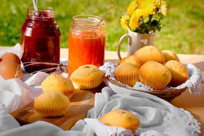 松饼-果子松饼用果子果酱 库存照片