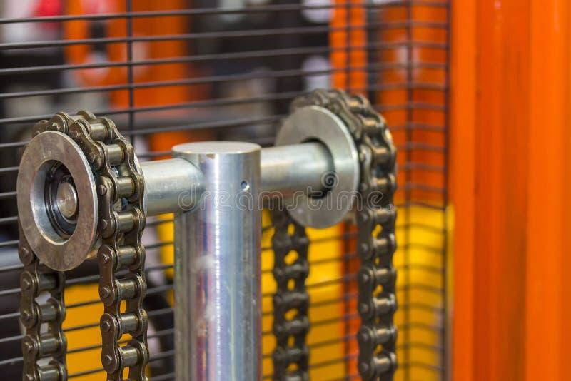 板台手推力或叉架起货车接近的链子工业工作的 免版税图库摄影