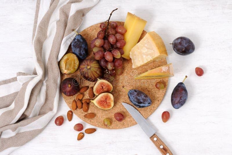 板材用乳酪和果子 库存图片
