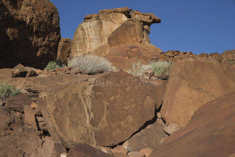 板刻纳米比亚岩石twyfelfontein 免版税库存图片