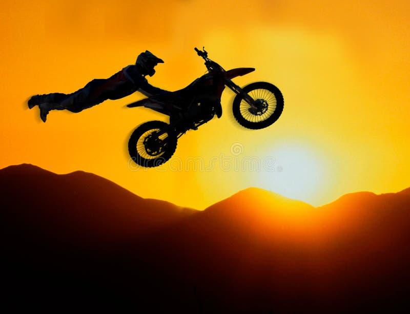 极其摩托车越野赛车手 免版税库存照片