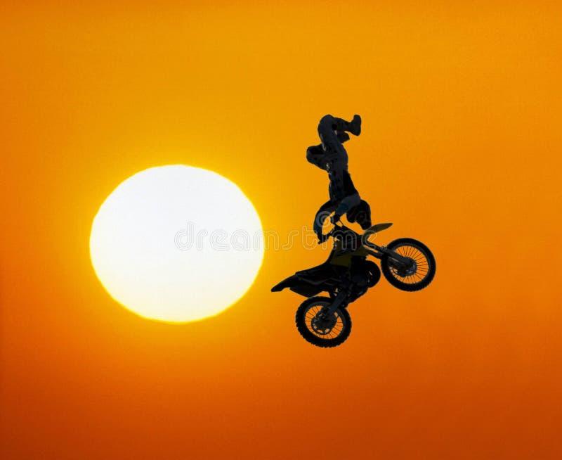 极其摩托车越野赛车手 免版税图库摄影