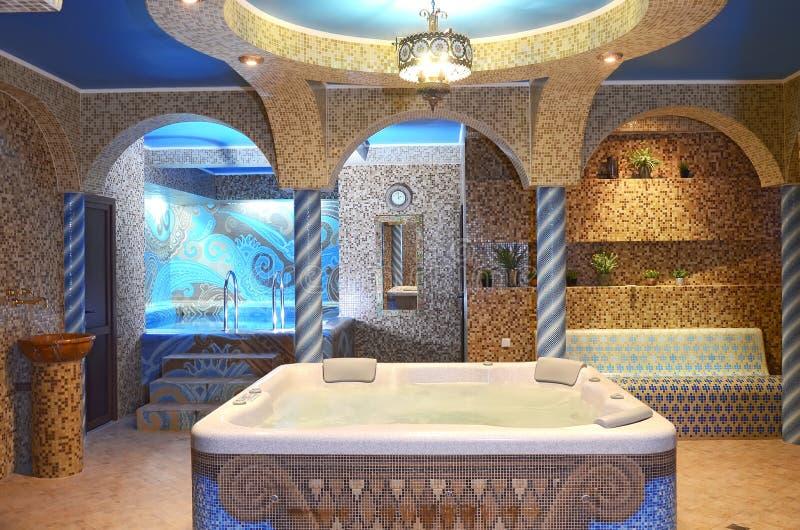 极可意浴缸找出蒸汽浴 库存照片