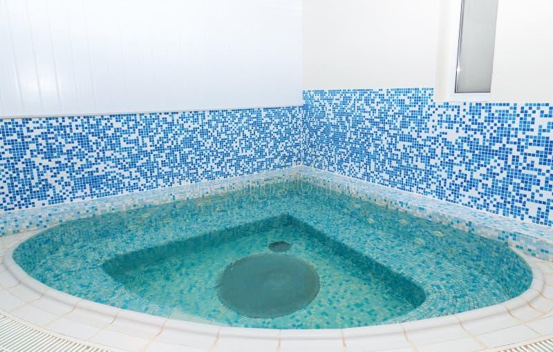 极可意浴缸水池视图样品 库存图片