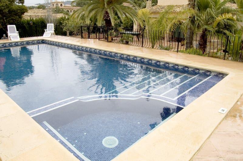 极可意浴缸池游泳 库存照片