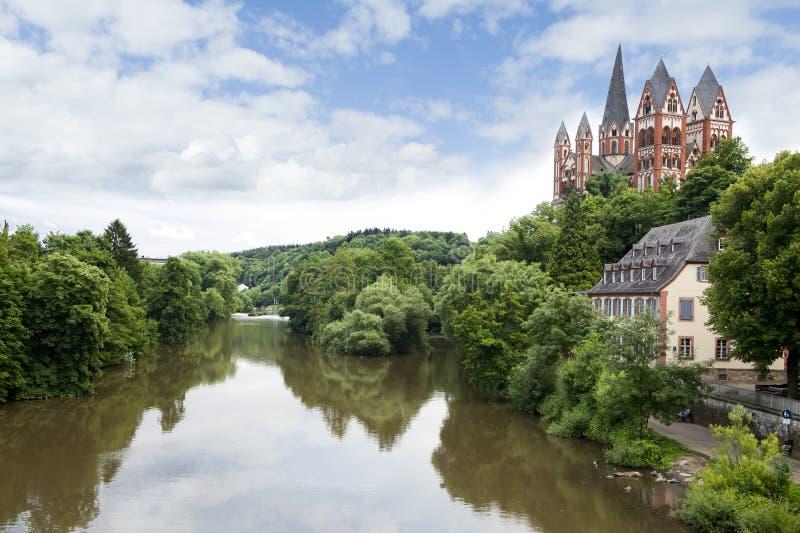 极大的大教堂在Limburg 库存照片