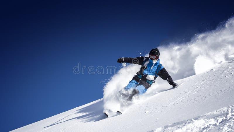 极端freeride滑雪者 免版税库存图片