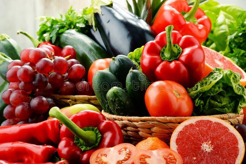 构成以新鲜蔬菜和果子品种 戒毒所饮食