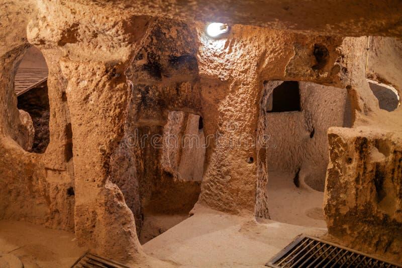 代林库尤-洞城市在卡帕多细亚 火鸡 免版税库存图片