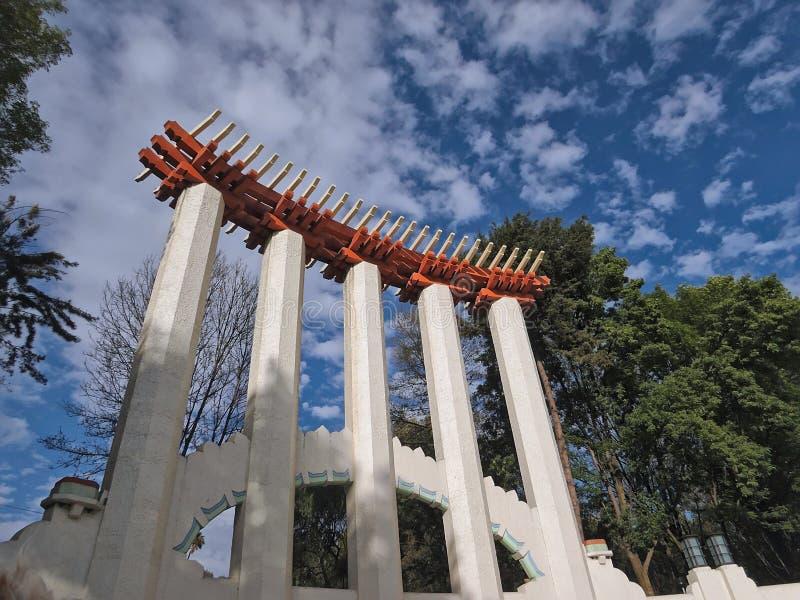 林德伯格论坛的低角度视图在` Parque墨西哥`的在墨西哥城,墨西哥 库存图片