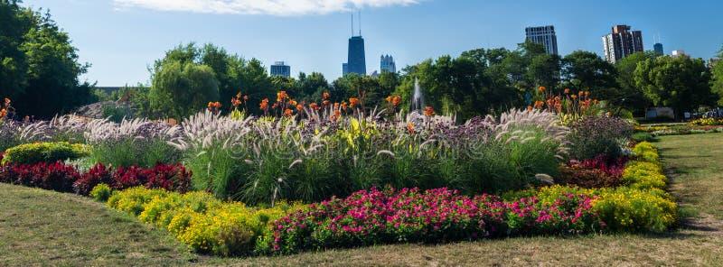 从林肯公园音乐学院的芝加哥地平线 库存照片