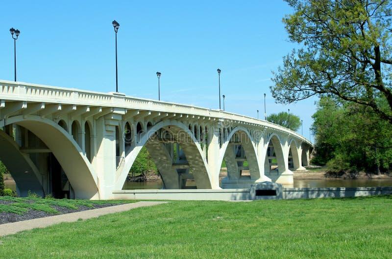 林肯纪念堂桥梁在Vincennes,  库存照片