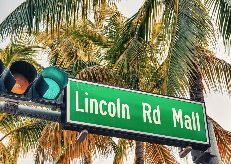 林肯路购物中心路牌 它是迈阿密Beac一条著名路  库存图片
