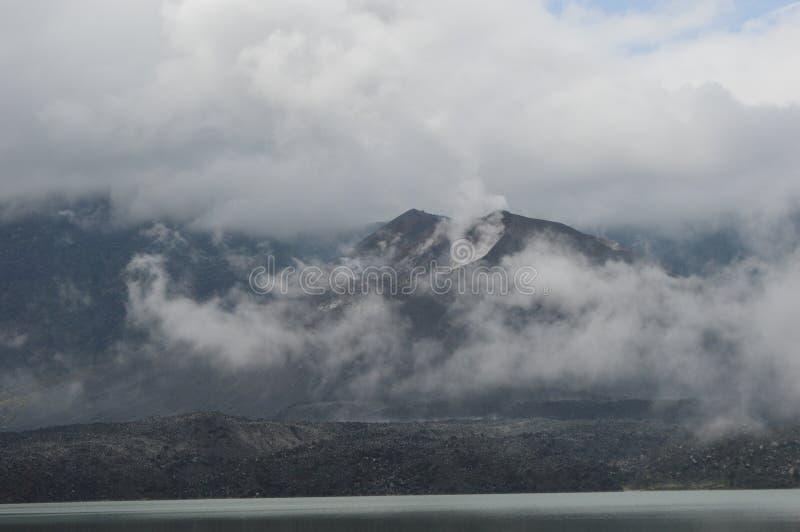 林贾尼火山,龙目岛,印度尼西亚 免版税库存图片