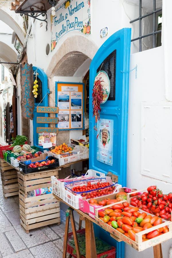 水果和蔬菜商店斯佩尔隆加 免版税库存照片