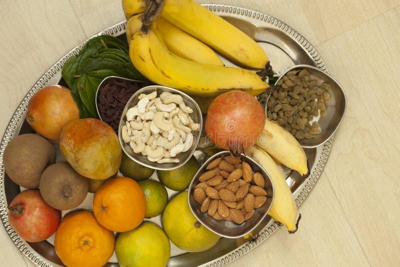 果子和干果子从螺纹仪式起作用,印度 库存照片