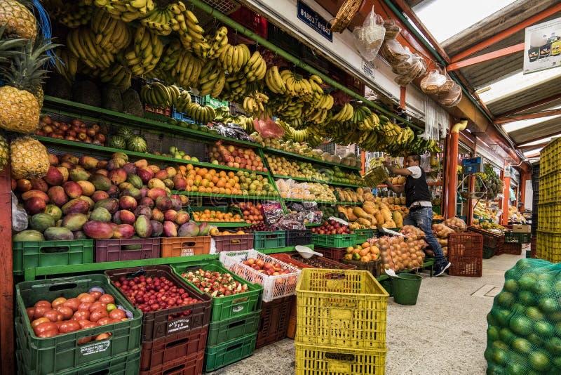 果子和蔬菜批发市场, Paloquemao,波哥大哥伦比亚 图库摄影