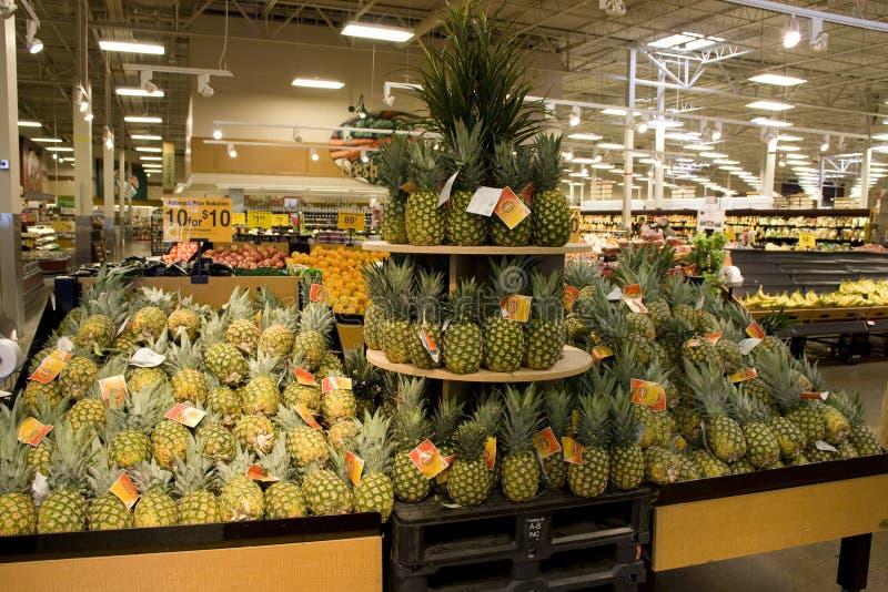 果子在杂货店 库存照片