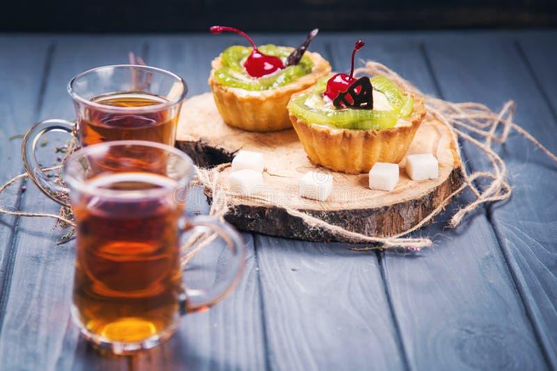 果子结块用茶 免版税库存图片