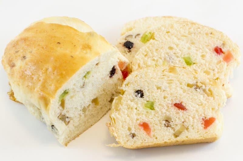 果子面包用在白色背景的各种各样的干果子 库存照片