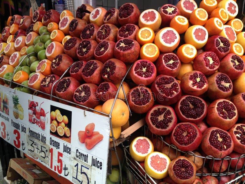 水果市场在伊斯坦布尔,土耳其 库存照片