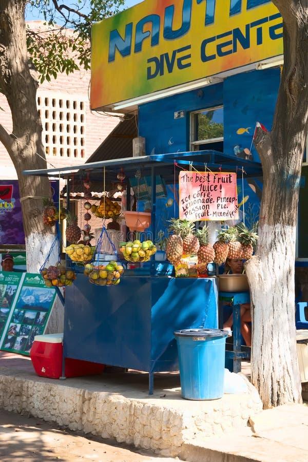 果汁立场在Taganga,哥伦比亚 图库摄影