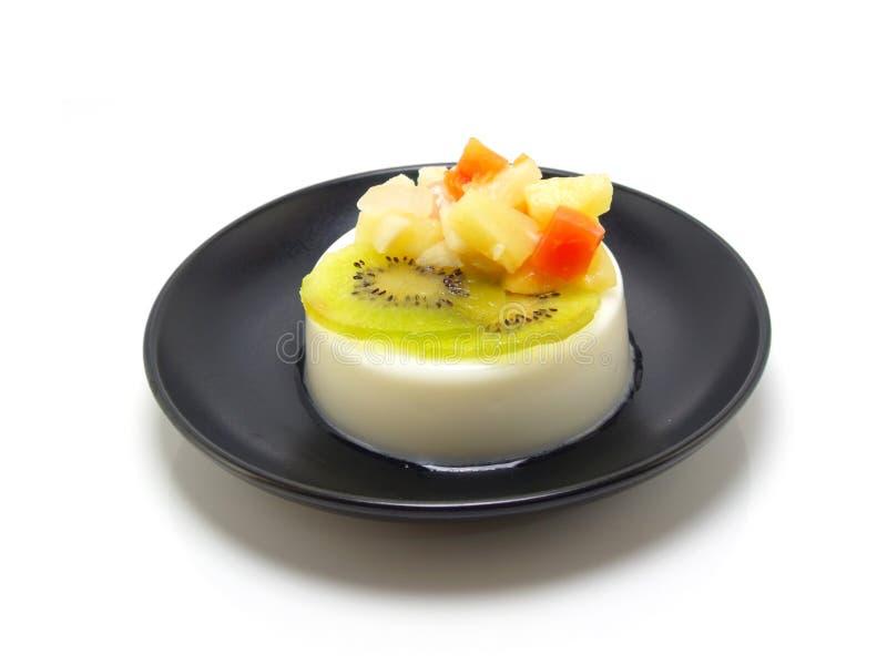 水果沙拉牛奶布丁 免版税图库摄影