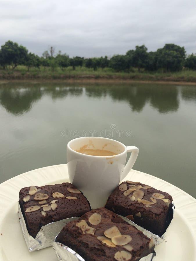 果仁巧克力&咖啡 库存图片