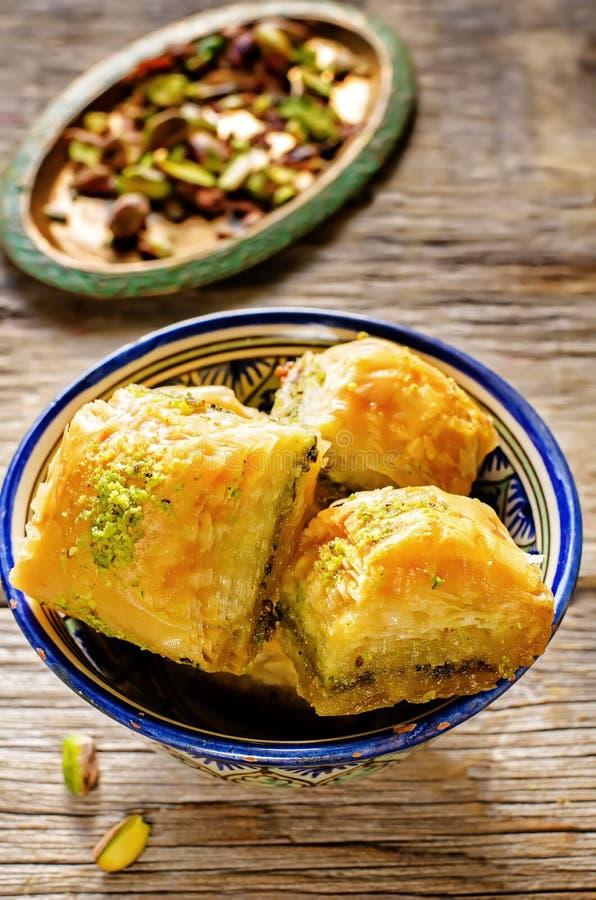 果仁蜜酥饼用开心果 土耳其传统欢欣 库存图片