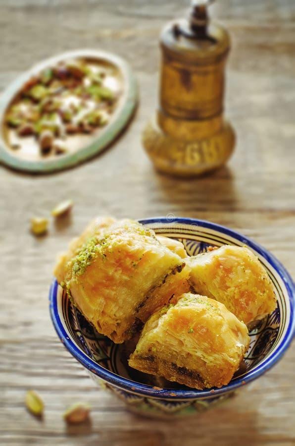 果仁蜜酥饼用开心果 土耳其传统欢欣 免版税库存照片