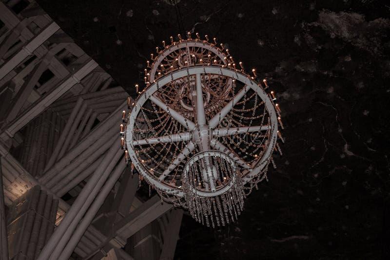 枝形吊灯在维利奇卡盐矿在维利奇卡,波兰南部镇  库存图片