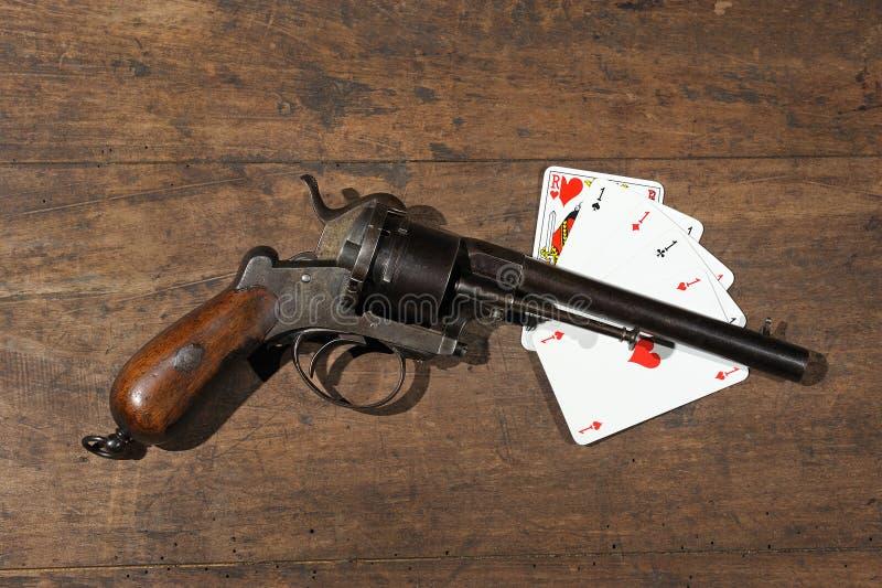 枪啤牌 免版税库存图片