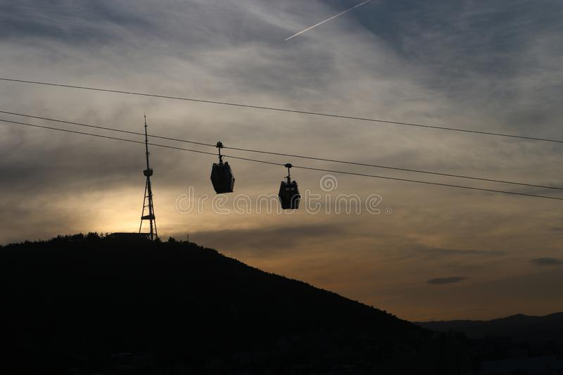 架空索道缆车在第比利斯,乔治亚 免版税库存照片