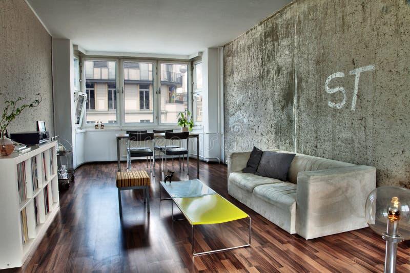 柏林公寓客厅 免版税库存照片