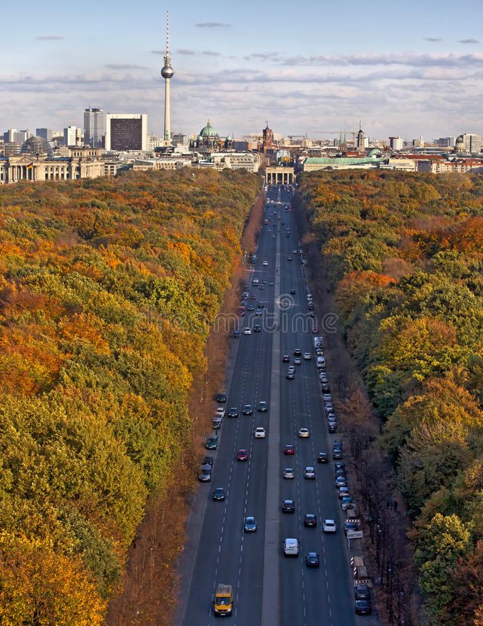 柏林在秋天,从Siegessaule的射击 图库摄影