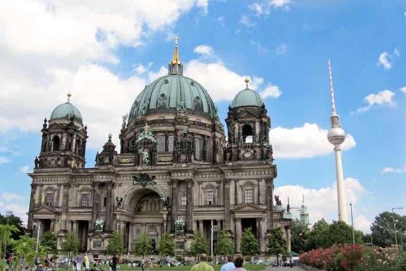柏林大教堂和Fernsehturm 库存图片