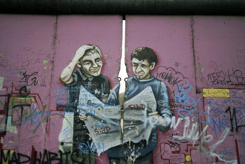 柏林街道画墙壁 库存照片