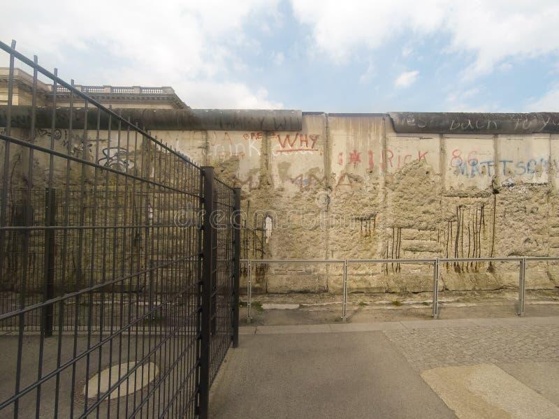 柏林,德国- 2019年 柏林围墙的遗骸 免版税库存照片