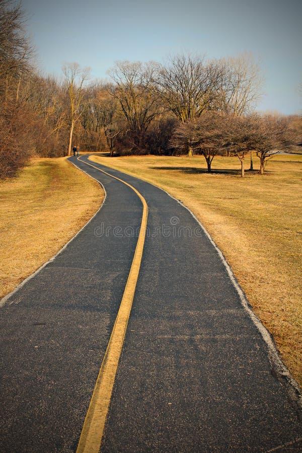 Download 柏油路 库存图片. 图片 包括有 日落, 线路, 阳光, 旅途, 抽象, 路径, 国家(地区), 行动, 展望期 - 30325299