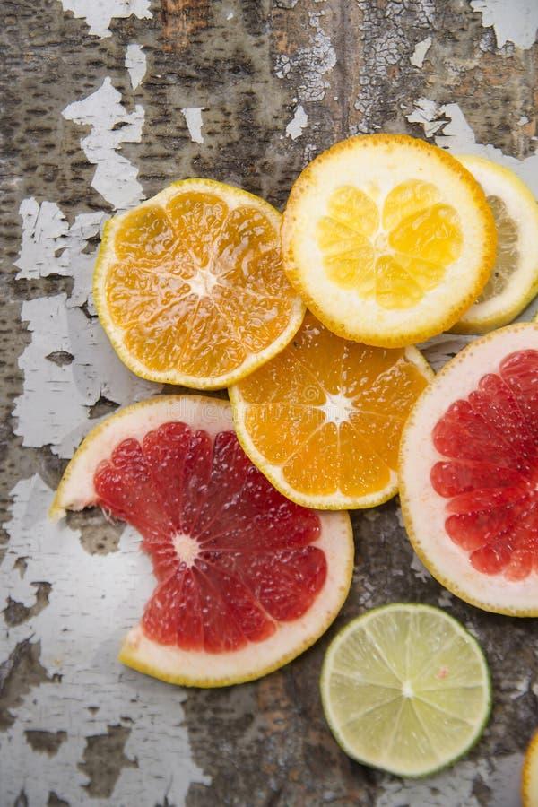 柑橘水果的颜色 免版税库存图片