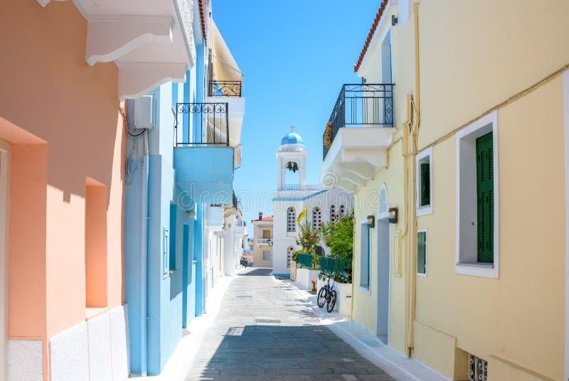 柔和的淡色彩色房子-安德罗斯海岛希腊 免版税库存照片