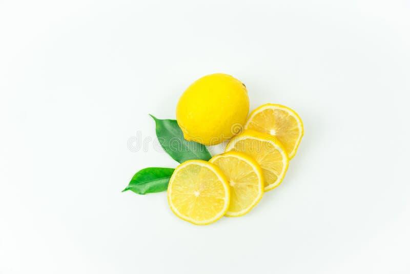 柠檬新鲜的射击在演播室 免版税库存照片