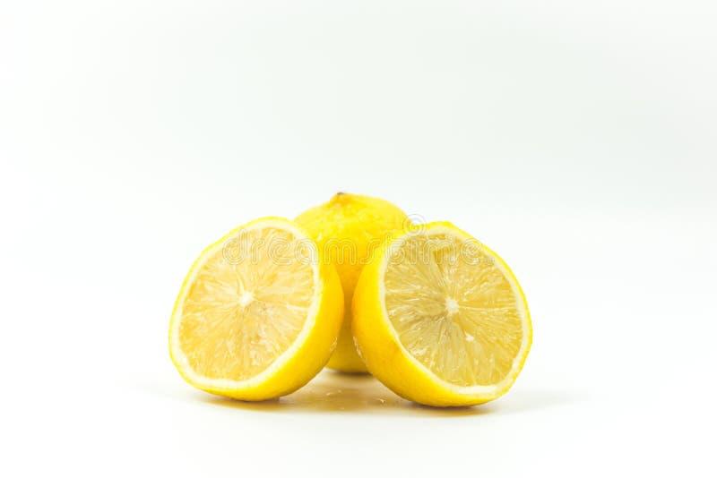 柠檬新鲜的射击在演播室 库存图片