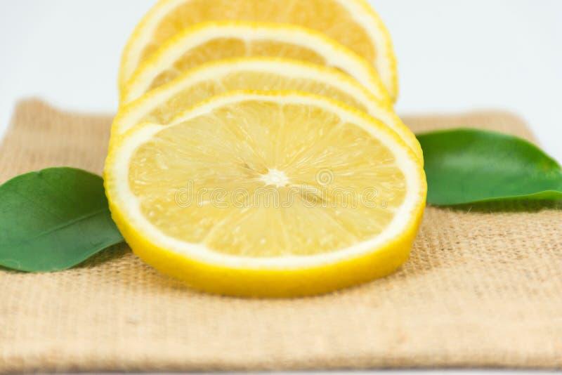 柠檬新鲜的射击在演播室 免版税图库摄影