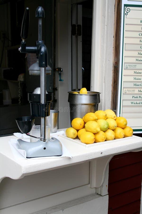柠檬水摊 图库摄影