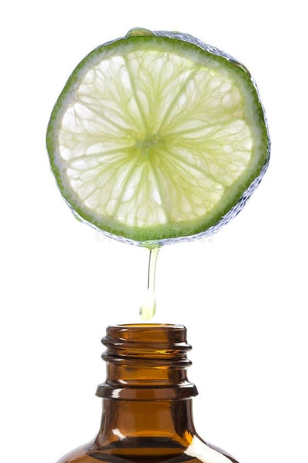 柠檬精华,刷新的芳香疗法替代医学 库存图片