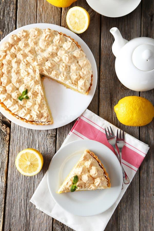 柠檬蛋白甜饼 免版税库存图片