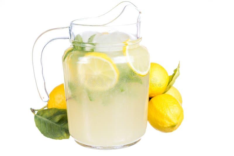 柠檬水水罐 免版税图库摄影